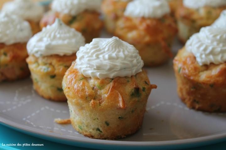 Mini cupcakes au saumon, à la ciboulette et au fromagefrais.