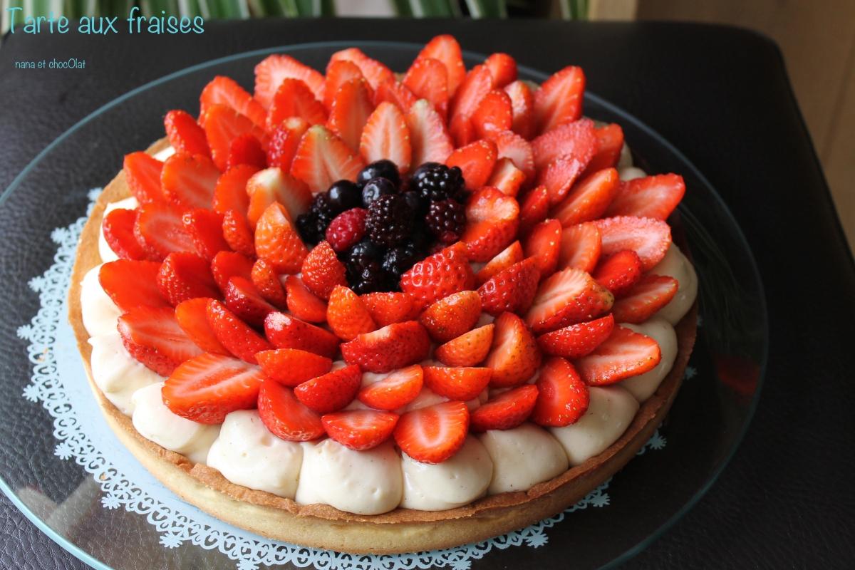 Tarte aux fraises, crème pâtissière onctueuse et pâte sablée ( au thermomix)