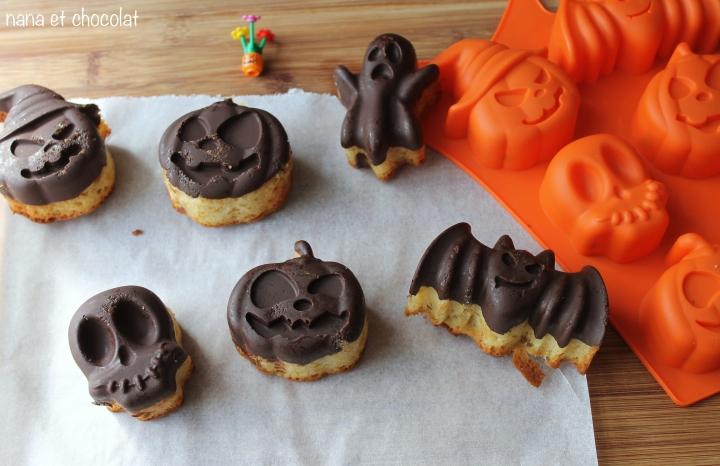 Petits gâteaux, pour Halloween, en coque de  chocolat noir et à l'huile decoco