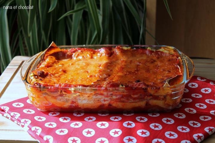 Lasagnes  à la ricotta, courgettes, tomates, etparmesan.
