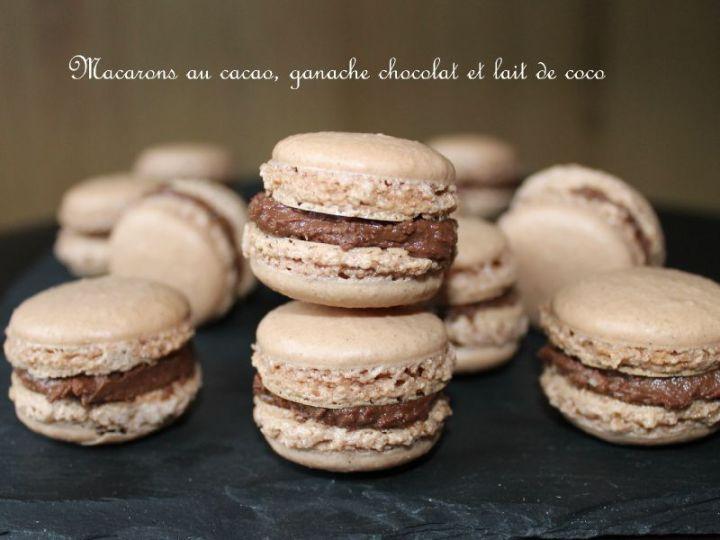 Macarons au cacao, ganache au lait de coco et auchocolat