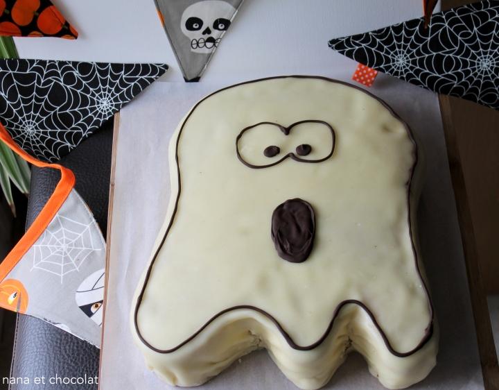 Gâteau Fantôme pour Halloween ( chocolat blanc, framboises et pâted'amande)