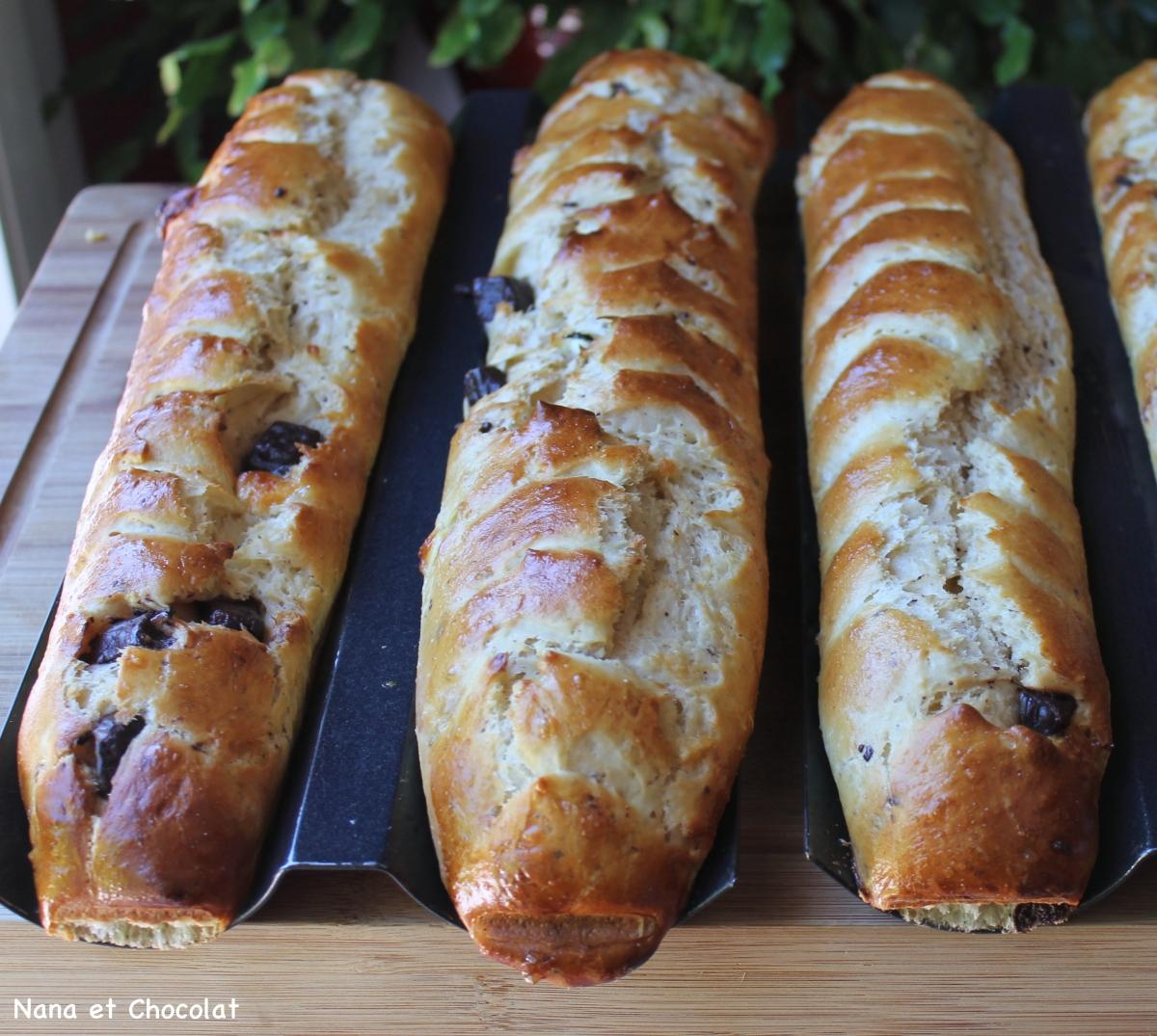 Baguettes viennoises aux pépites de chocolat au Thermomix