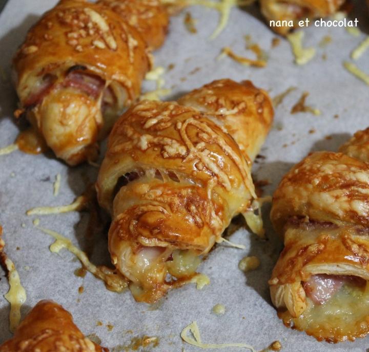 Croissants apéritifs  » simplissimes » , au jambon et aucomté.