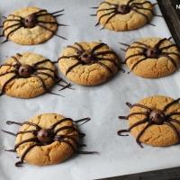Spider cookies pour Halloween ( biscuits araignées)