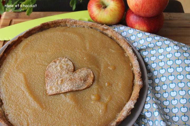 Tarte à la compote de pommes, pâte à tarte sans beurre ( au sarrasin et à l'huiled'olive)