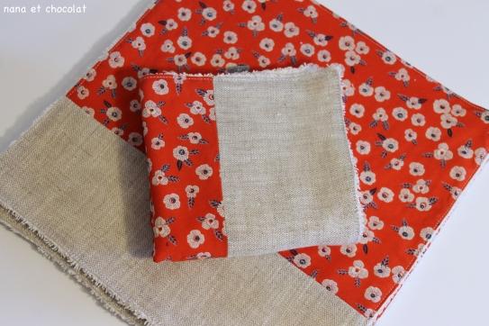 serviettes fleurs rouges 3