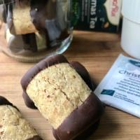 Biscuits de Noël: Bûchettes aux noisettes et au chocolat ( #Bredele)