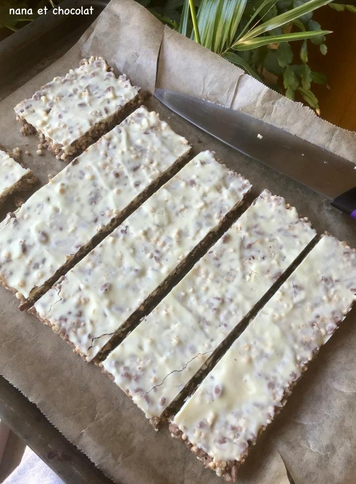Barres de céréales «Crousti-choco» à la puréed'amande