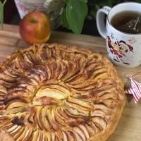 Tarte aux pommes et aux amandes façon Cyril Lignac, et Bonne année