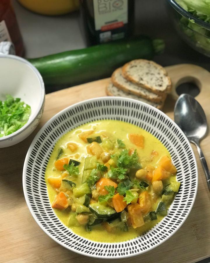 Curry de patates douces etcourgettes